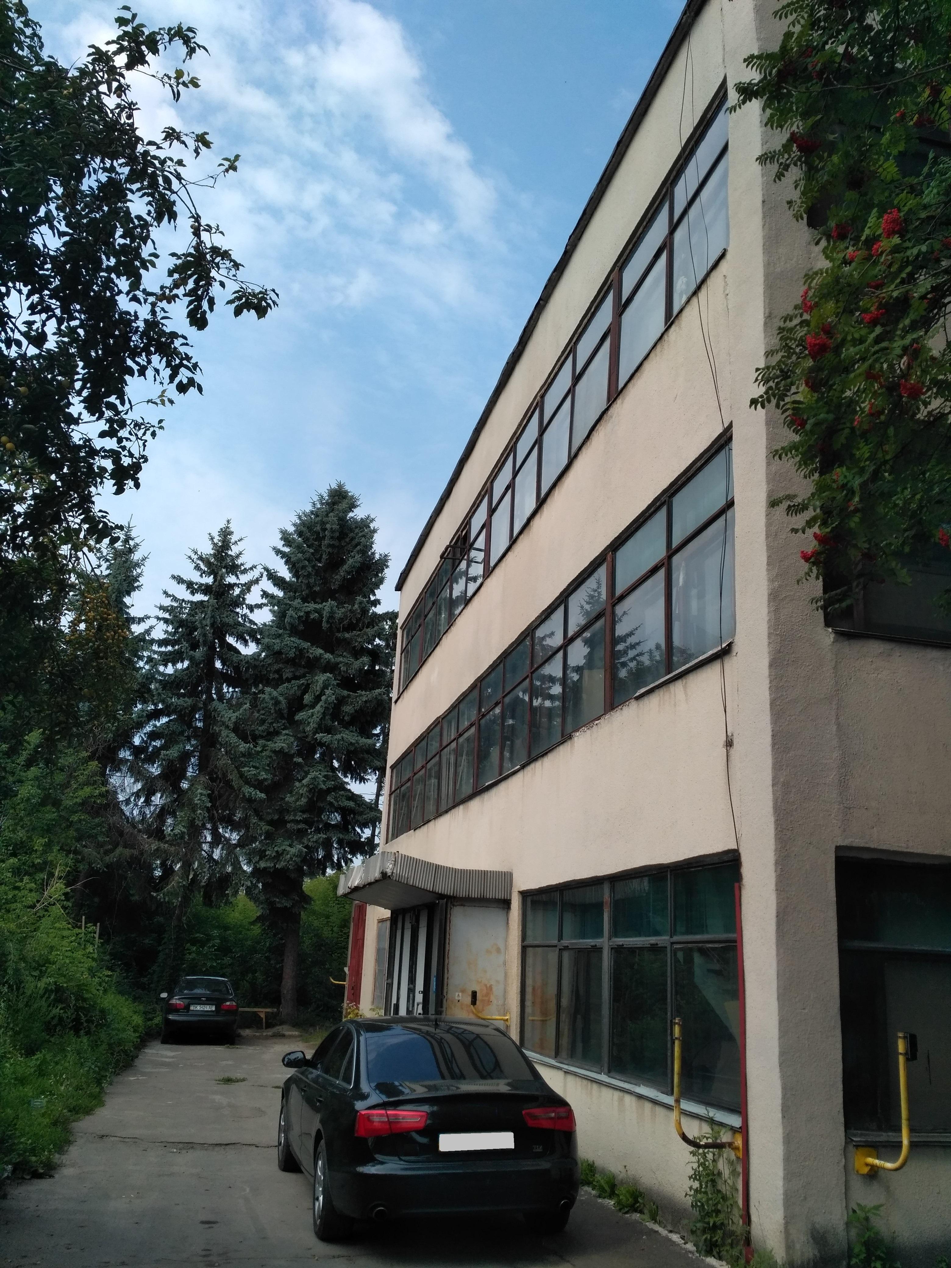 Нежитлове приміщення в м. Рівне, площею 17,8 кв. м