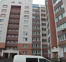 Двокімнатна квартира заг. площею – 85,8 кв.м., яка розташована за адресою: Київська обл., м. Біла Церква, вул. Леваневського, 58, кв. 31