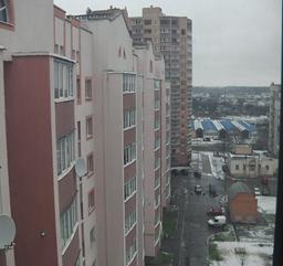 Трикімнатна квартира загальною площею – 98,5 кв.м., яка розташована за адресою: Київська обл., м. Біла Церква, вул. Леваневського, 58, кв. 67